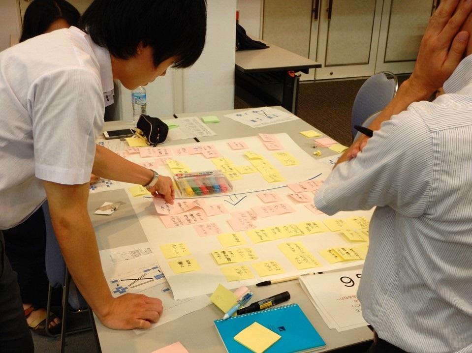 グループ6-討議.jpg